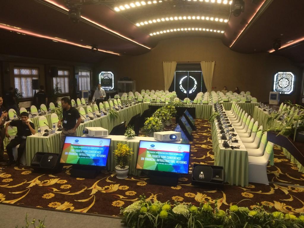 Cho thue Tivi Layout Ushape 1024x768 Cho thuê Tivi phục vụ hội nghị